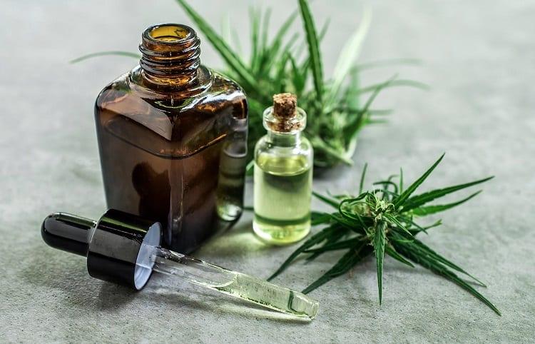 cbd oil in small bottles